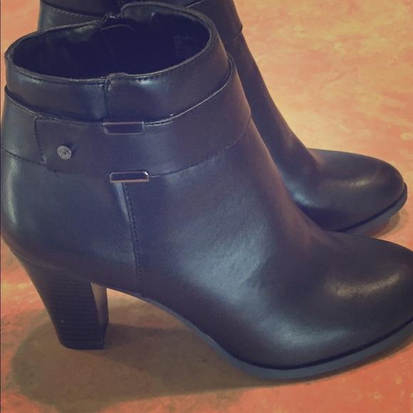 jones black ankle boots